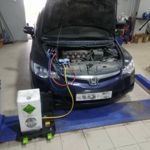 заправка кондиционера на Хонда Цивик 4д